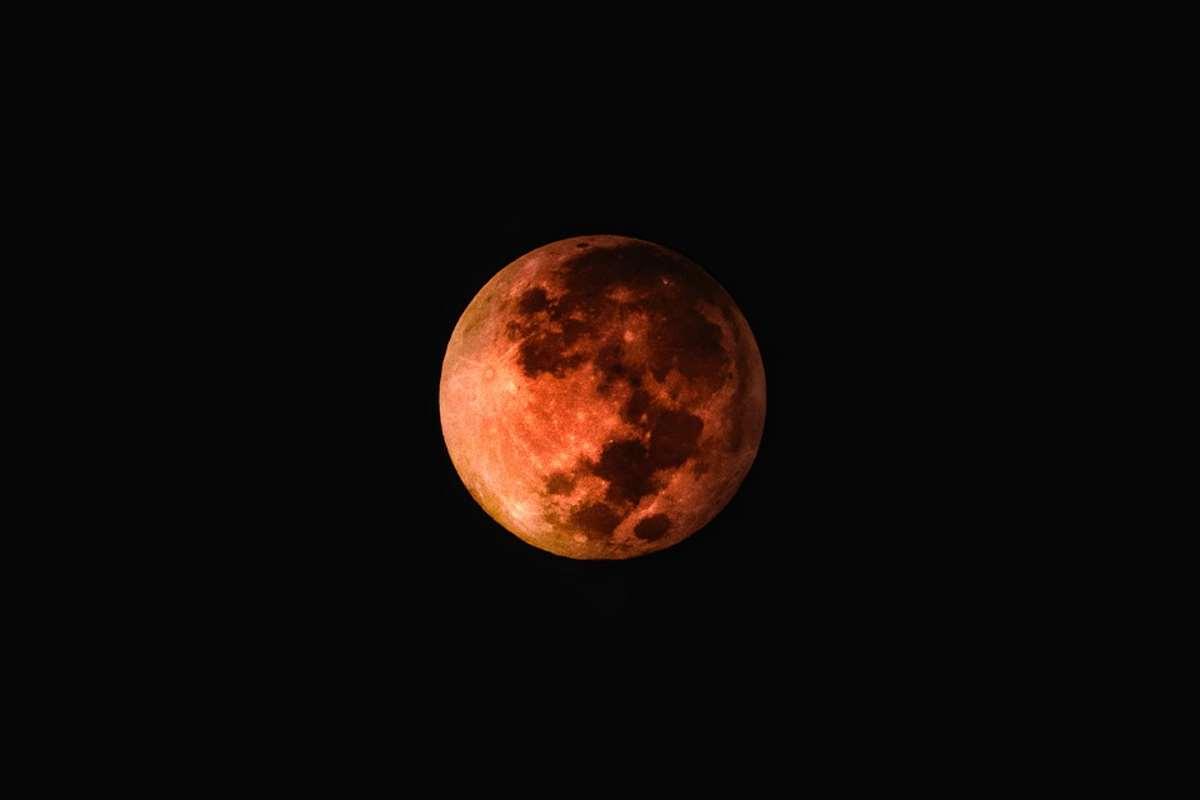 Domenica, eclissi e super Luna. Dove si vedrà meglio l'evento?