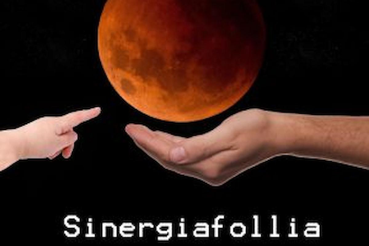 """SINERGIAfollia """"Apri le tue braccia"""" è il secondo singolo estratto dall'ep """"Seguimi"""""""