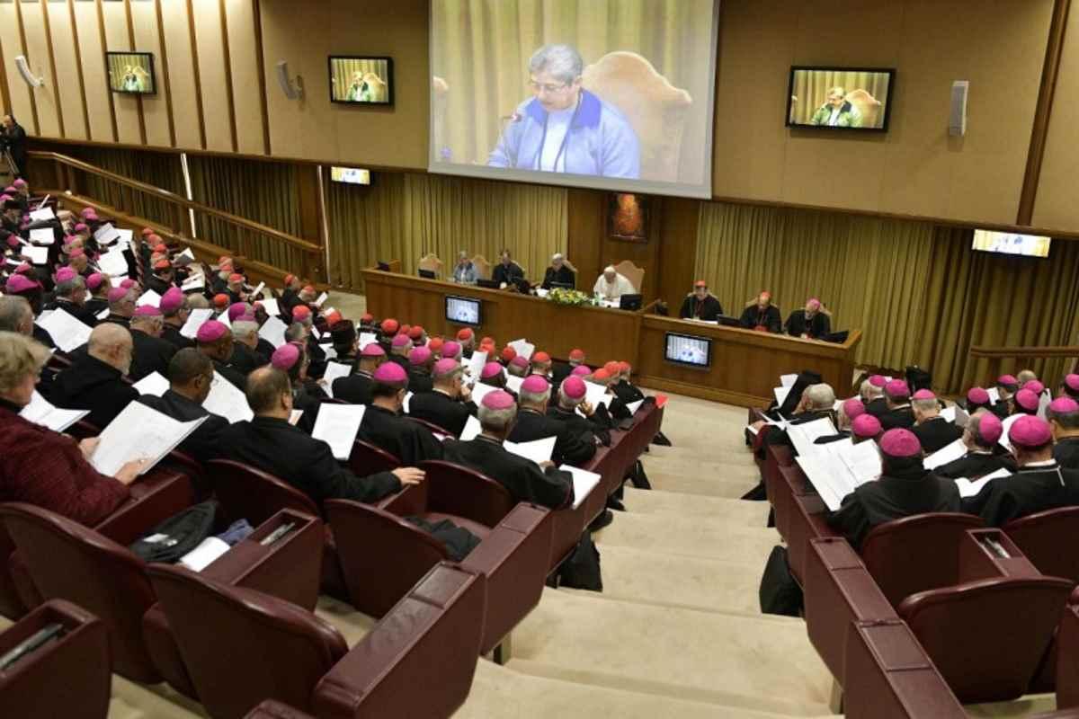 Vaticano: collegialità e corresponsabilità le chiavi per sradicare la piaga degli abusi nella Chiesa