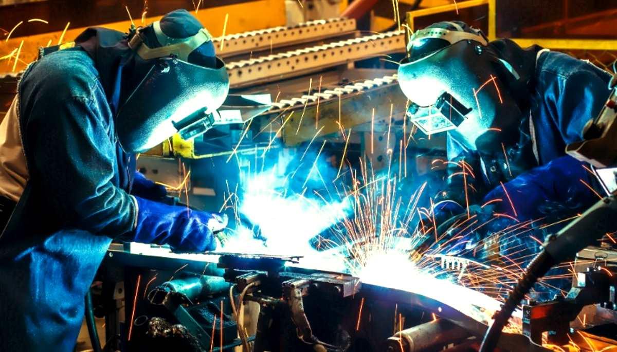 Istat, la produzione industriale nell'Italia del cambiamento crolla del -5,5% rispetto ad un anno fa