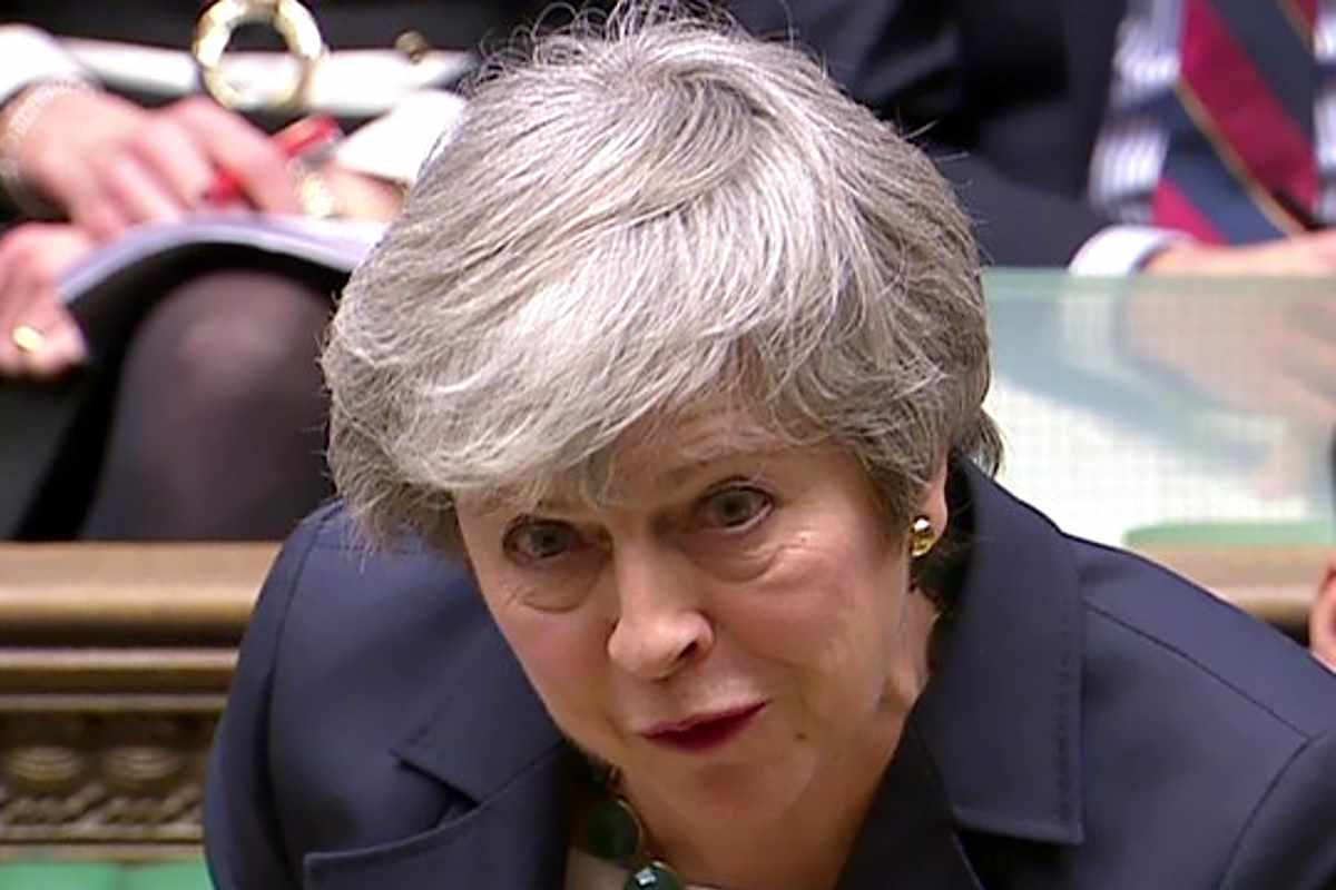 Brexit, mentre il Parlamento deciderà su una nuova scadenza la May pensa già di far rivotare il suo accordo per la terza volta