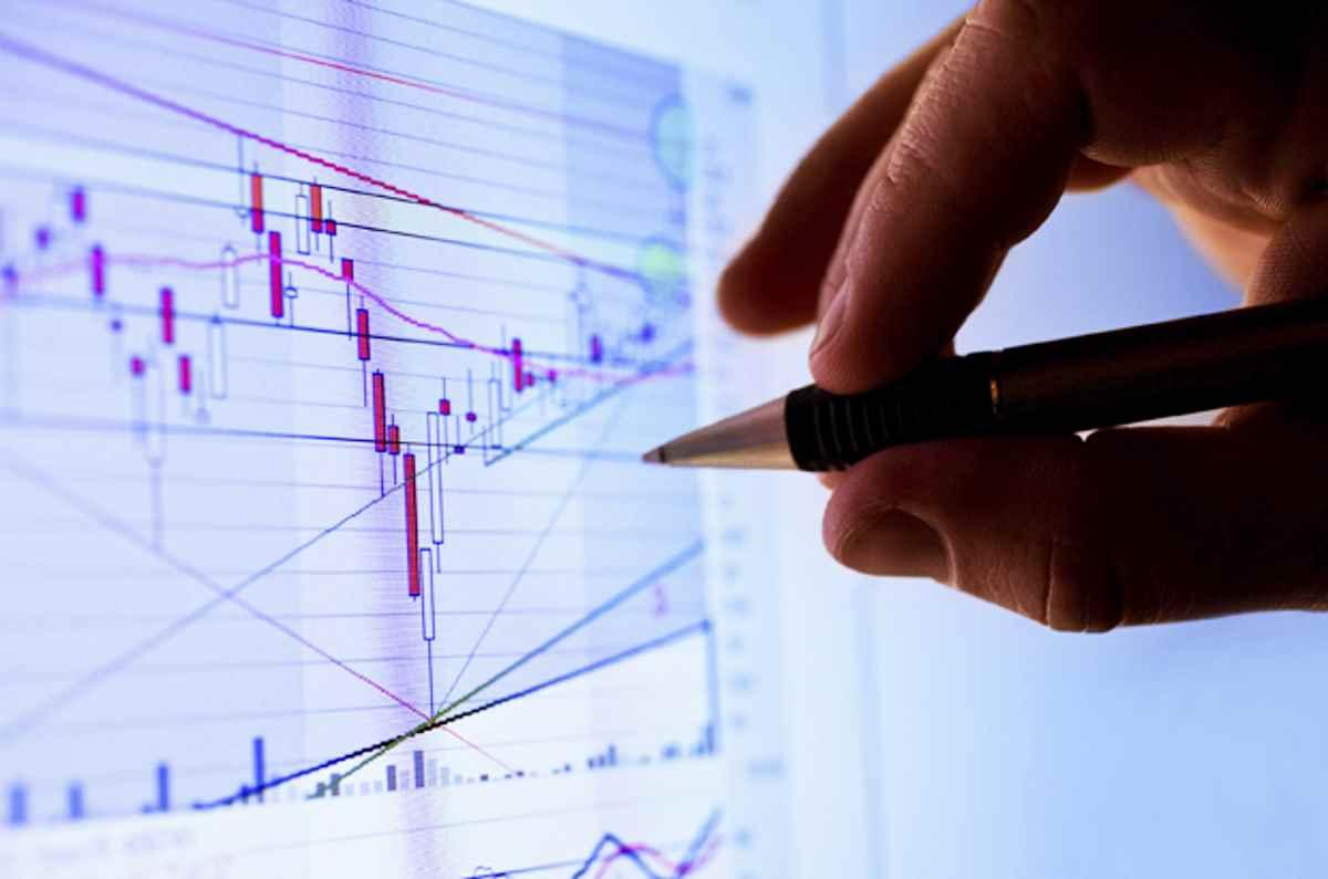 L'Istat conferma la recessione tecnica, con una flessione del -0,1% rispetto al -0,2% indicata il 1 marzo