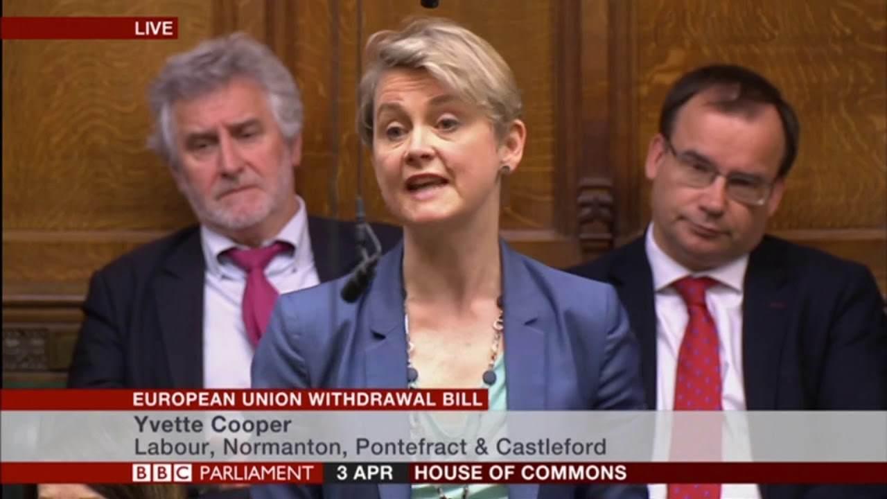 Il Parlamento britannico vota una legge per costringere la May a chiedere una nuova scadenza per la Brexit