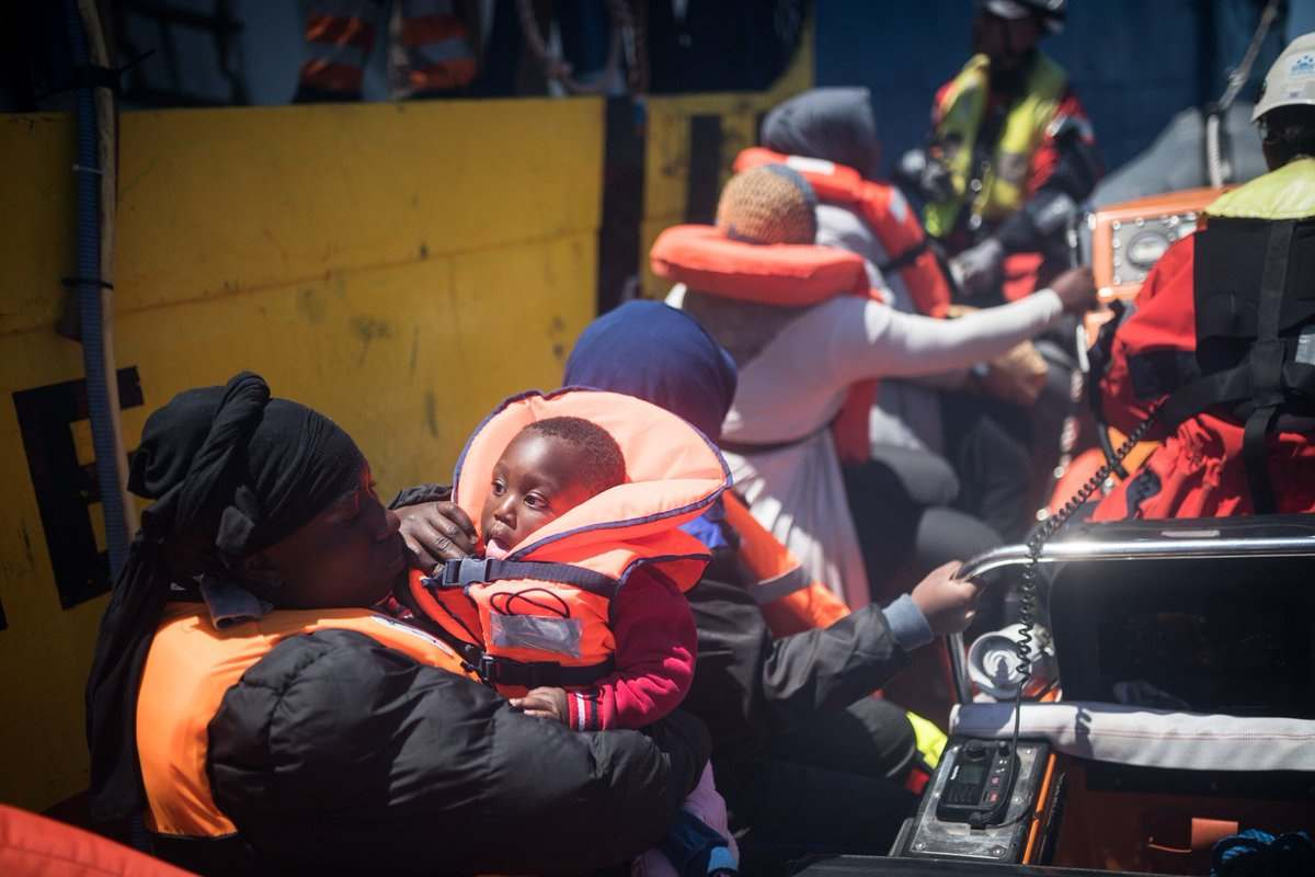 Sea-Watch 3 salva 65 persone a 30 miglia dalle coste della Libia