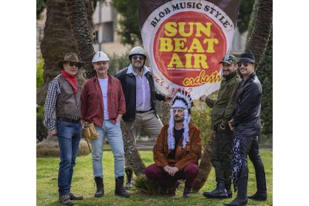 Sun Beat Air Orchestra 20 e non sentirli è il brano che celebra il ventennale della band che fonde musica e cabaret