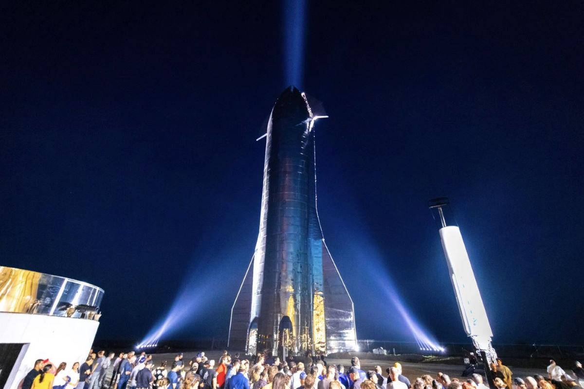 Starship e Super Heavy, così Musk vuole arrivare sulla Luna e su Marte