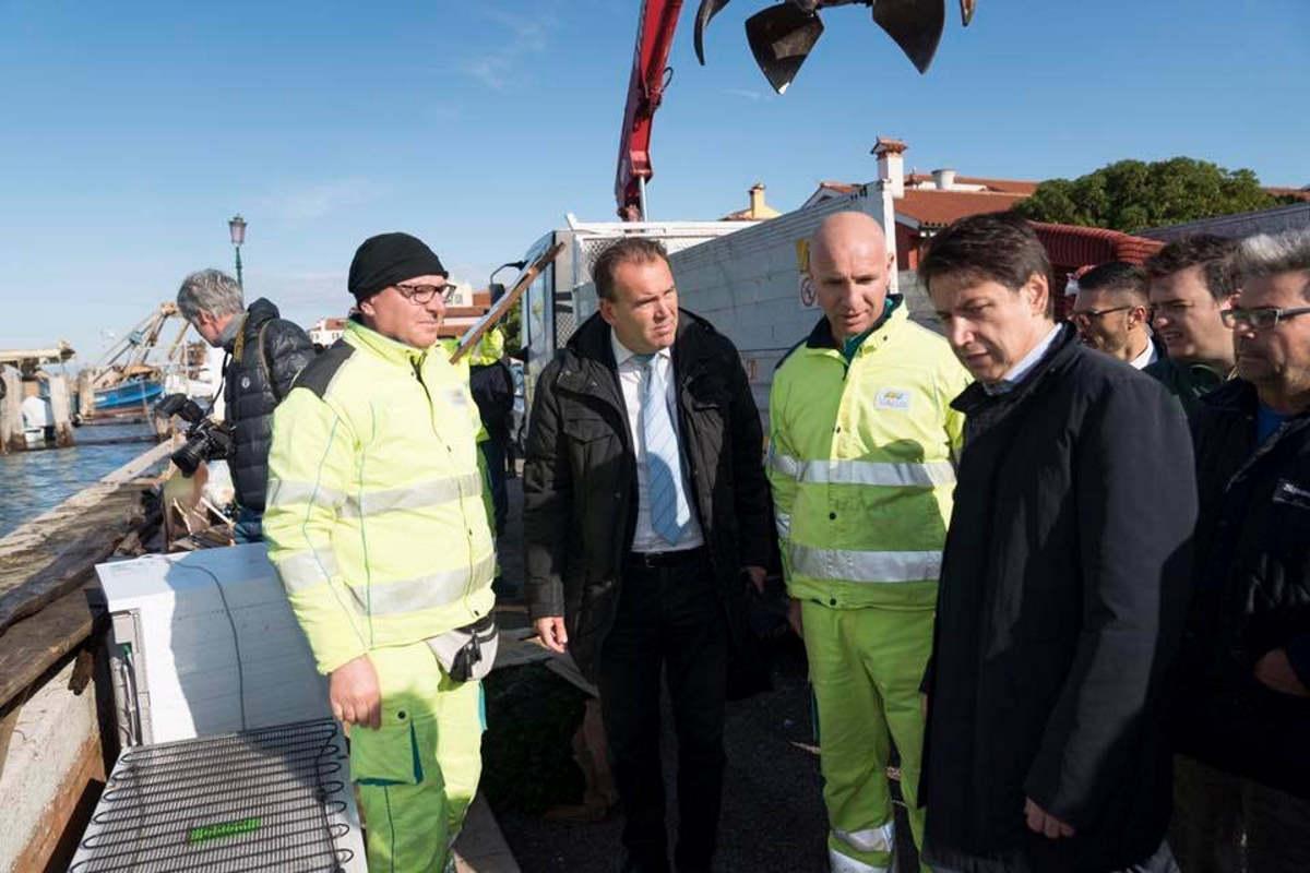 Maltempo a Venezia, Conte promette da subito fino 5mila euro per le famiglie e fino a 20mila euro per le imprese