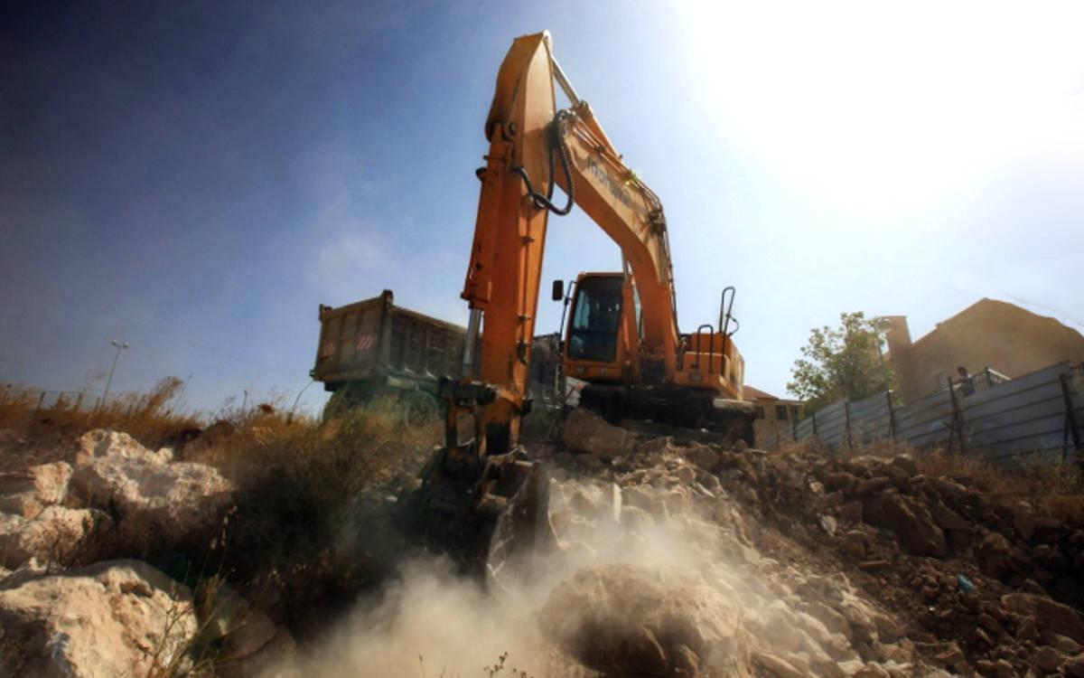 I regali di Natale di Israele alla Palestina: demolizioni, arresti e confische