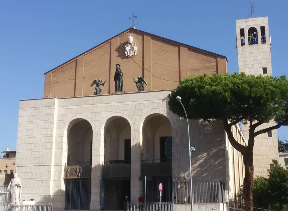 Contrordine: il cardinale De Donatis riapre le chiese parrocchiali a Roma