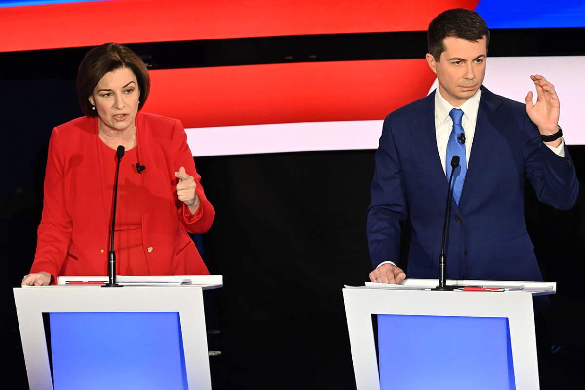 Buttigieg e Klobuchar abbandonano la corsa alle presidenziali per favorire Biden nell'appuntamento del Super martedì