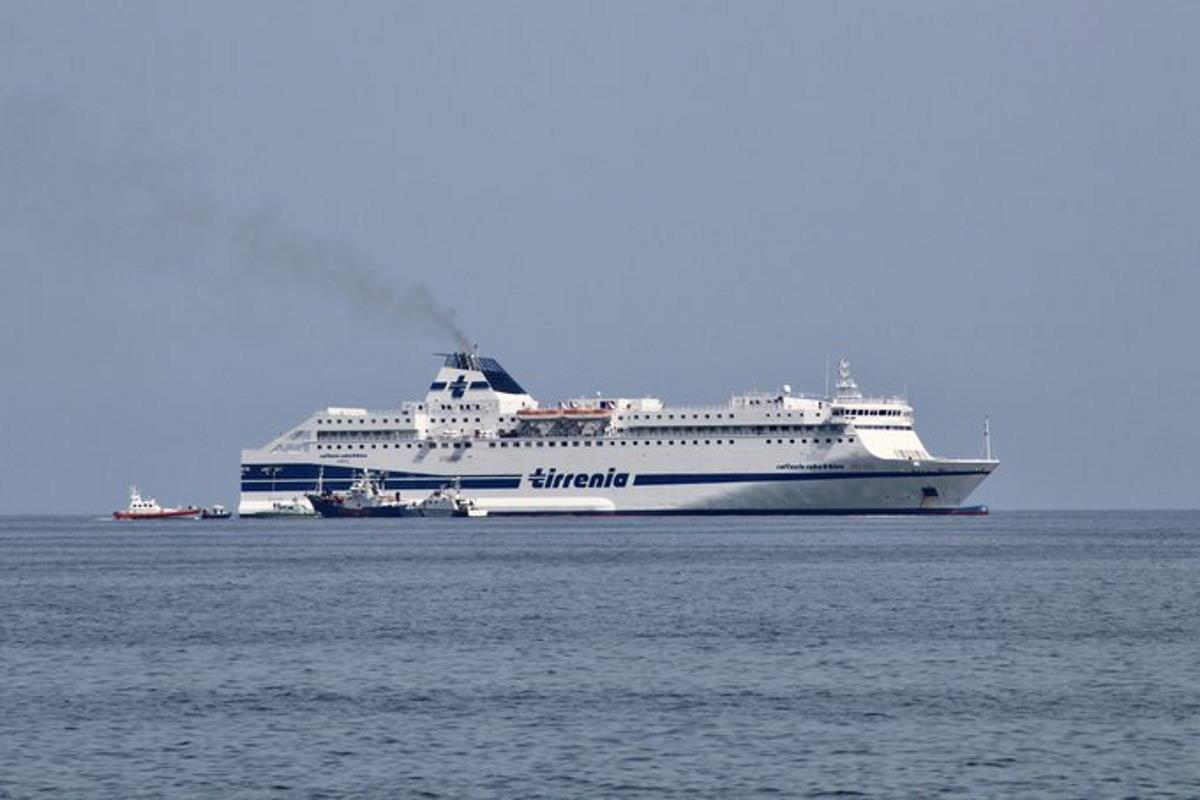 Al sicuro anche i 34 migranti ospitati a bordo della Aita Mari
