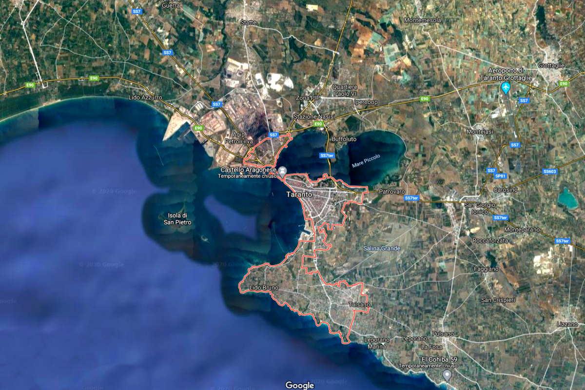 Taranto, tra mare e acciaio un ruolo di area-cerniera. Eni, Ilva, Finmeccanica, Heineken, Cementir, Tecnomec Engineering, Natuzzi, Semat e tantissime altre aziende per il polo industriale di Taranto