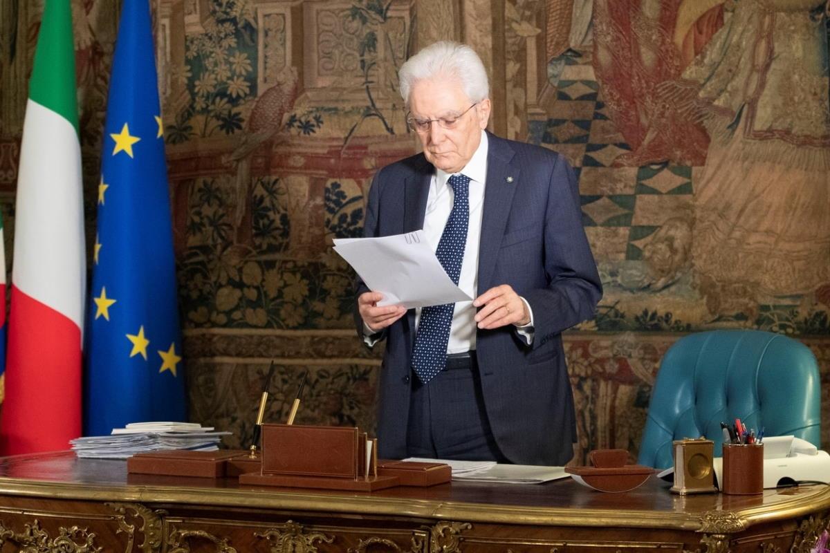 Mattarella esprime sconcerto per le vicende inerenti al mondo giudiziario... ma bacchetta anche Salvini
