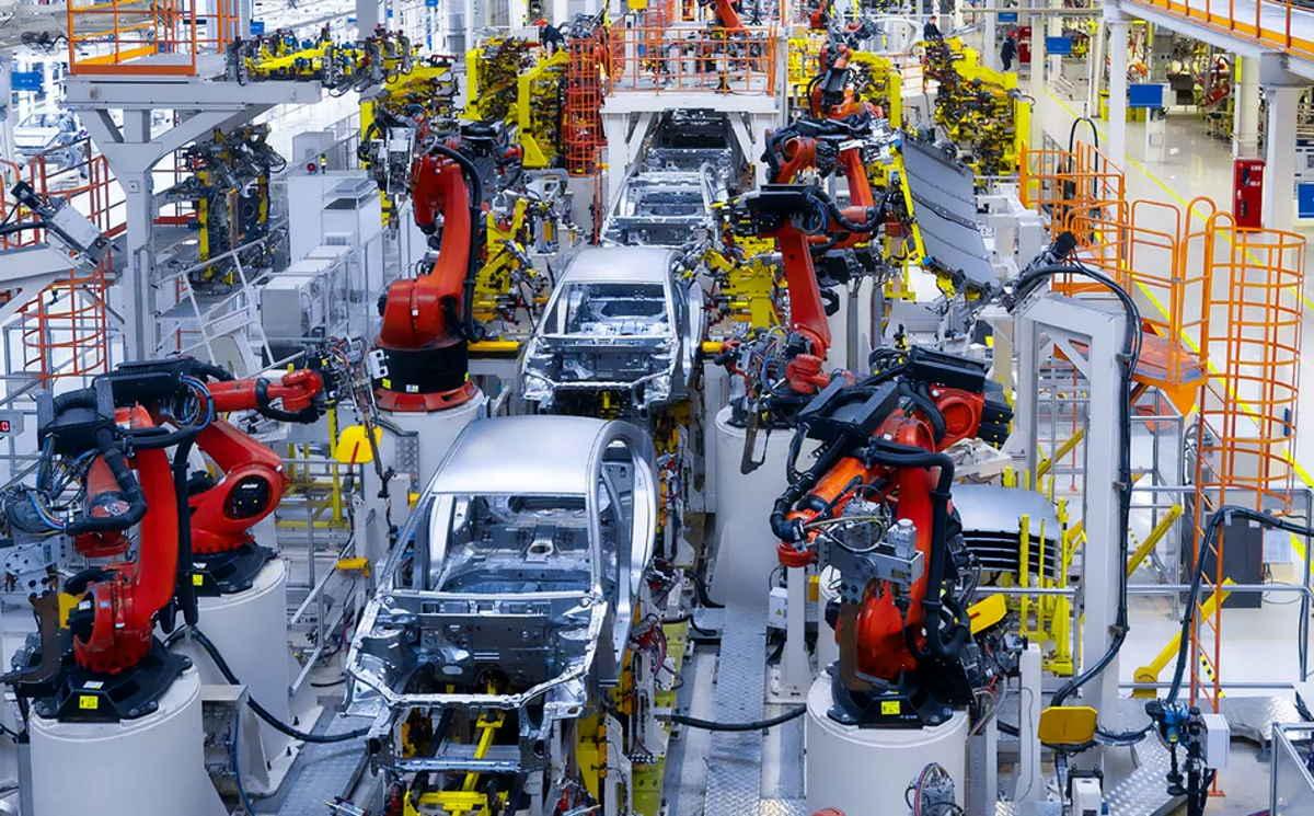 Istat: -28,4% la produzione industriale in Italia a marzo 2020