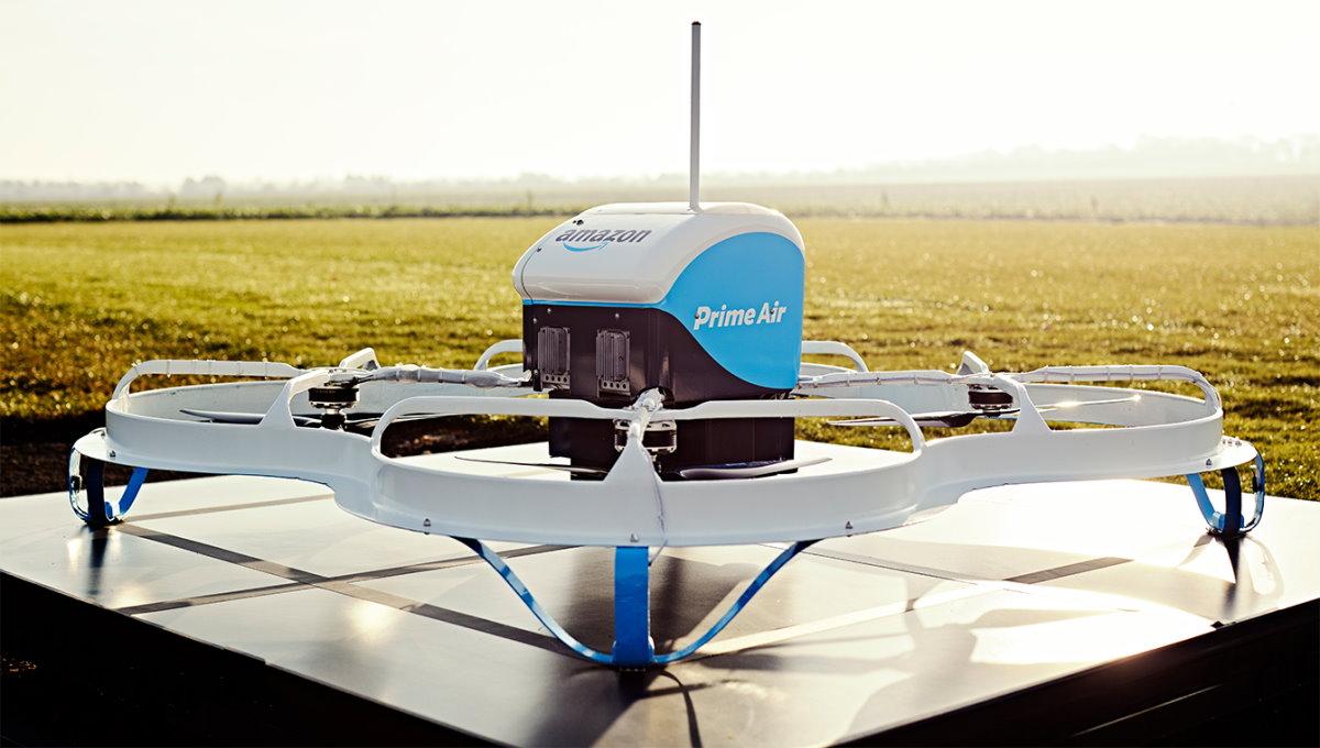 Amazon: la FAA dà il via a Prime Air per sperimentare la consegna a domicilio dei pacchi tramite droni