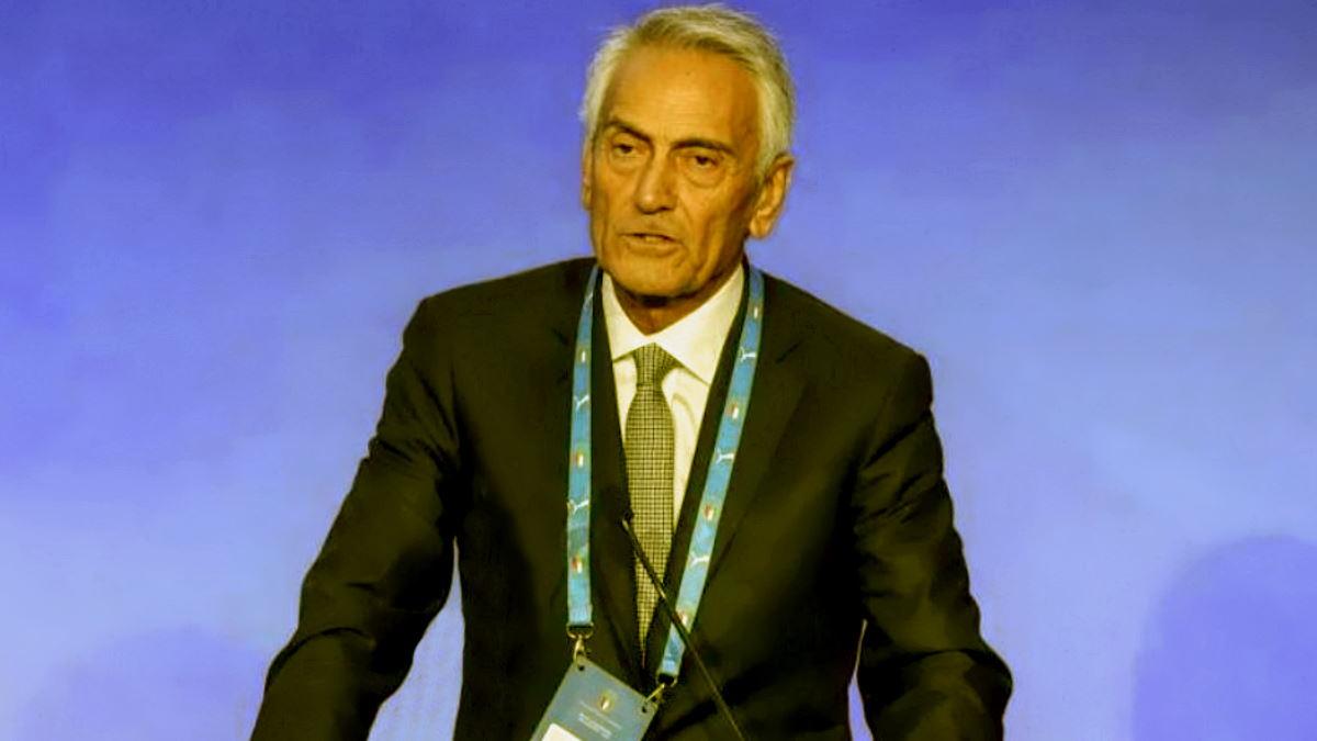 La FIFA spinge per una riforma dello svolgimento dei vari tornei di calcio che non può prescindere dai play-off. La Figc è d'accordo