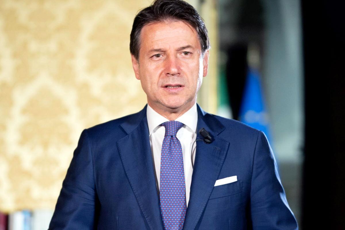 Pandemia, Conte chiederà al Parlamento la proroga dello stato di emergenza fino alla fine di gennaio 2021