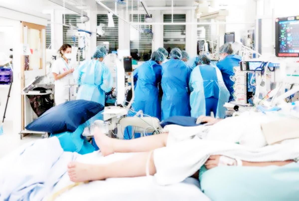 Covid al 1 novembre: calano (leggermente) i nuovi casi, i morti sono 208, ma aumentano i ricoverati nelle terapie intensive