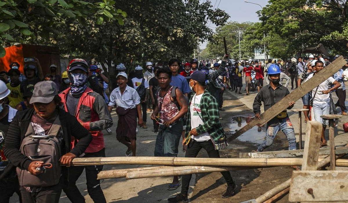 Myanmar, il regime uccide almeno 14 manifestanti per difendere gli interessi cinesi nel Paese
