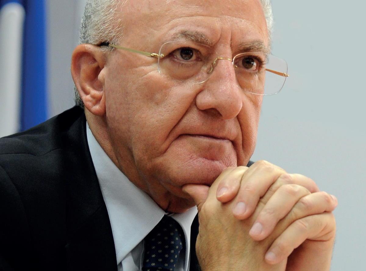 Nuova ordinanza del governatore della Campania: dall'11 al 21 marzo altre importanti restrizioni