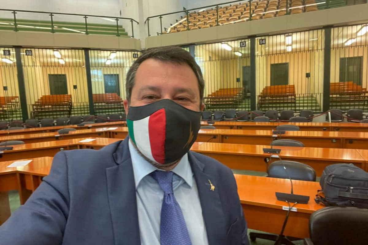 Rinviato a giudizio a Palermo per la vicenda Open Arms Salvini cita la Costituzione e dice di aver difeso il Paese