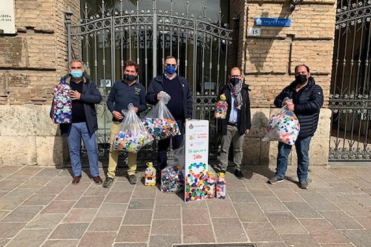 """Milazzo (ME) - Commercianti raccolgono oltre 50 kg di """"tappi della solidarietà"""""""