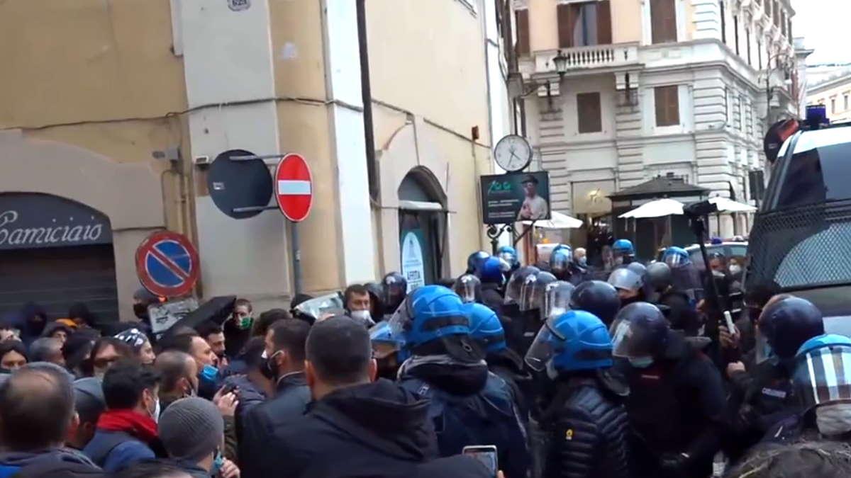 Contagio libero, la nuova manifestazione di protesta a Roma di IoApro