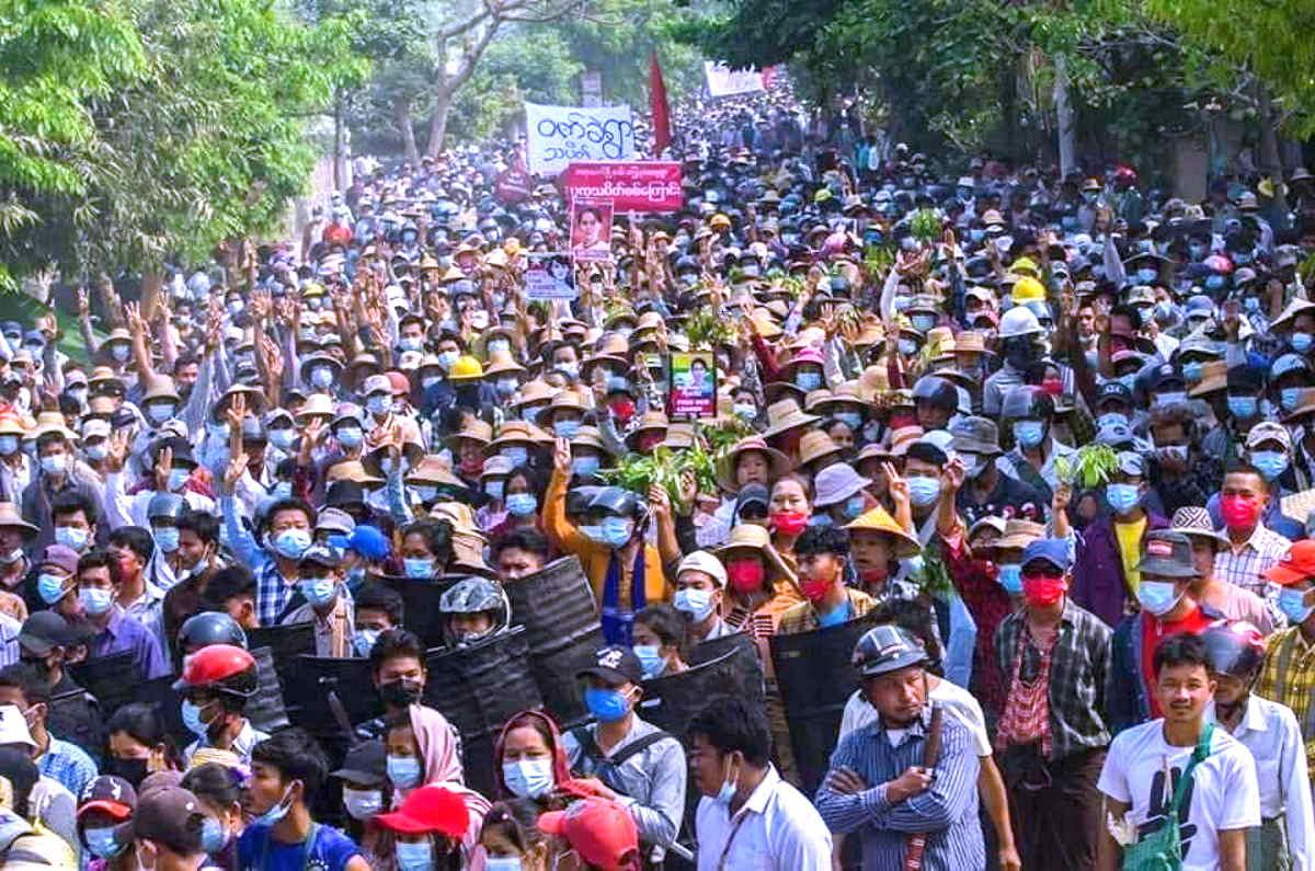 Myanmar: 2847 persone in carcere mentre le vittime hanno superato quota 600