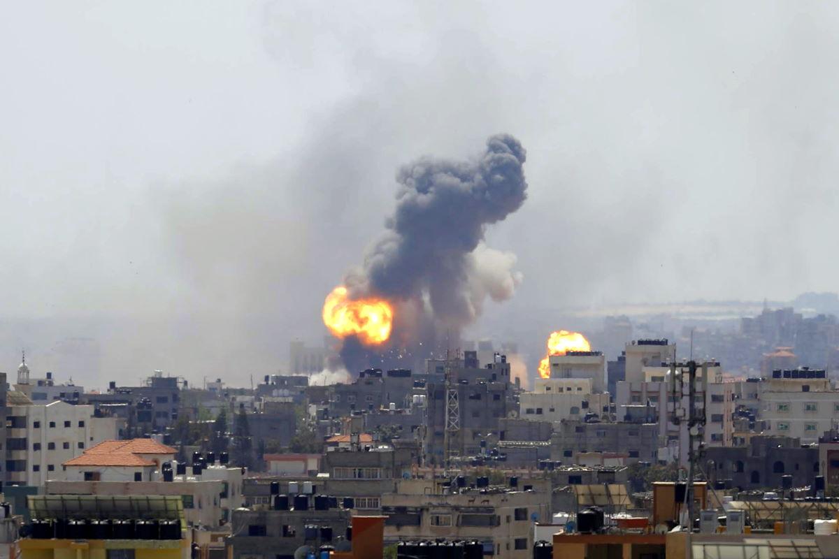 Proseguono il lancio di razzi di Hamas verso Israele e i bombardamenti in risposta su Gaza: vani finora gli appelli alla pace