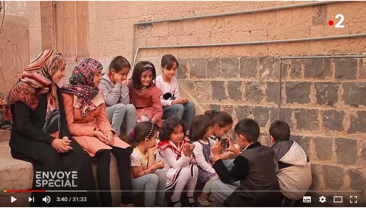Yemen - La bambina con i capelli bianchi