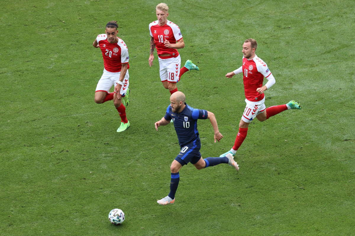 Euro 2020, dramma a Copenaghen: Christian Eriksen si accascia improvvisamente a terra