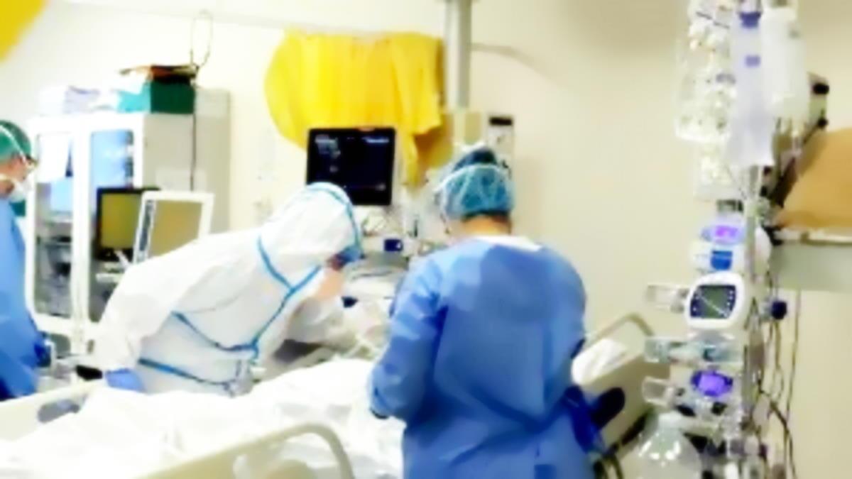La Sicilia rischia di passare in area gialla per l'aumento dei ricoverati Covid in terapia intensiva e nei reparti ordinari