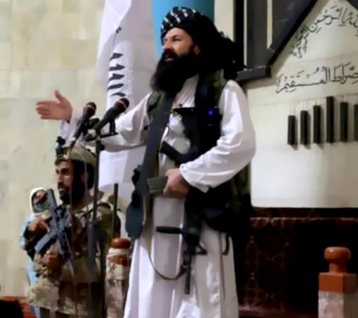 Il leader talebano Abdul Ghani Baradar è giunto a Kabul per contribuire alla formazione di un nuovo governo