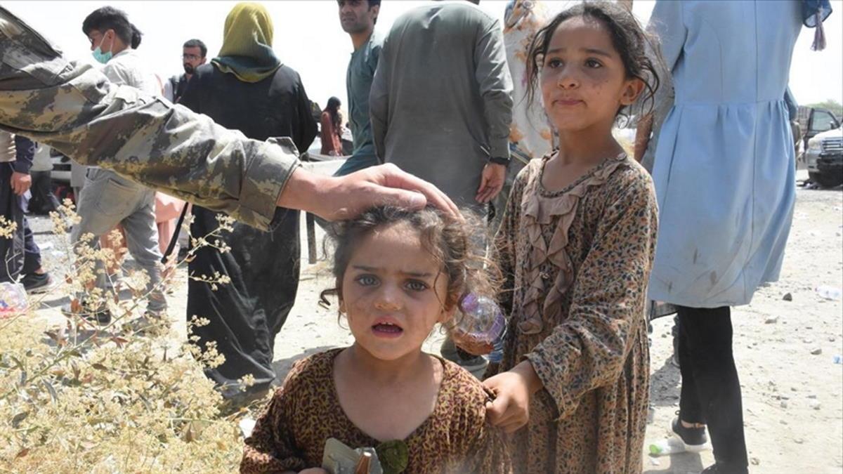 Save the Children: tutti i paesi europei devono assumersi le proprie responsabilità per i minori afghani in cerca di protezione