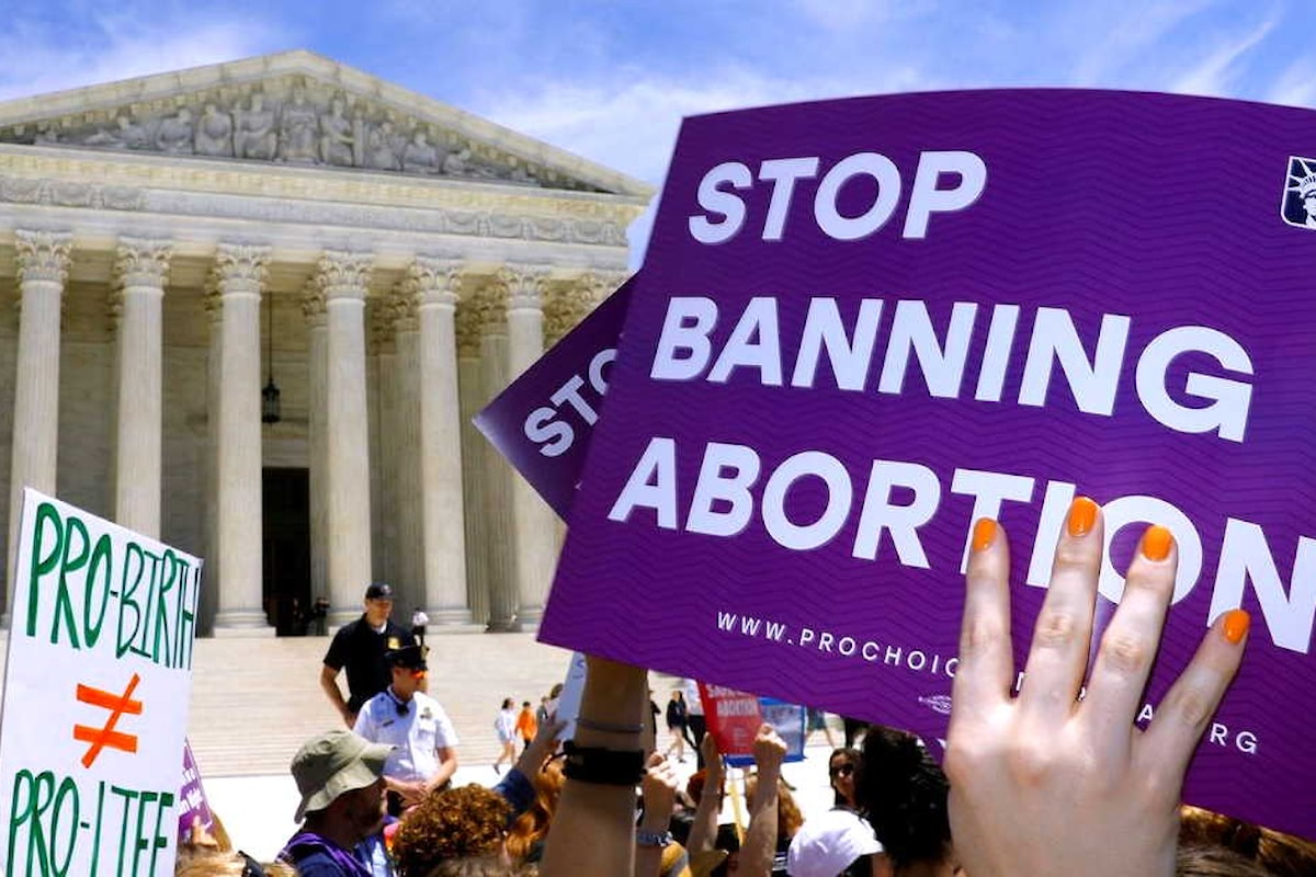 La Corte Suprema Usa decide di non decidere facendo entrare in vigore la legge anti-aborto approvata in Texas