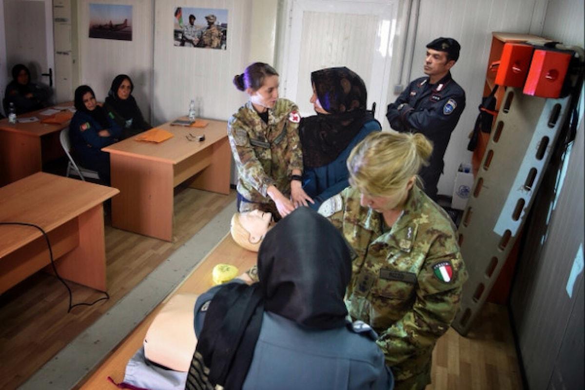 Afghanistan: militari italiani addestrano 20 poliziotte a procedure primo soccorso