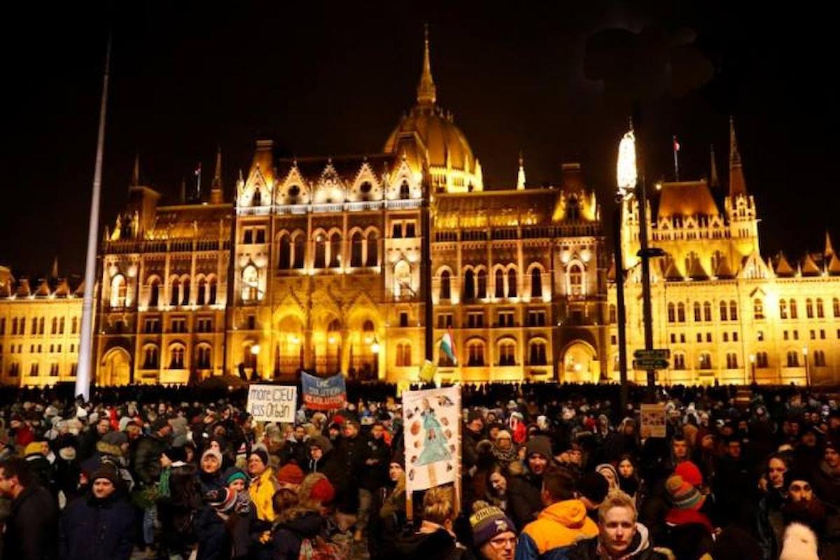 In Ungheria continuano le proteste contro Orban e la sua legge sul lavoro