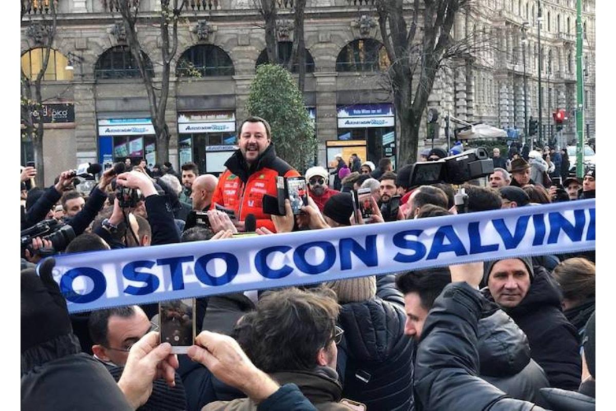 Un italiano di Salvini aggredisce (verbalmente) Laura Boldrini