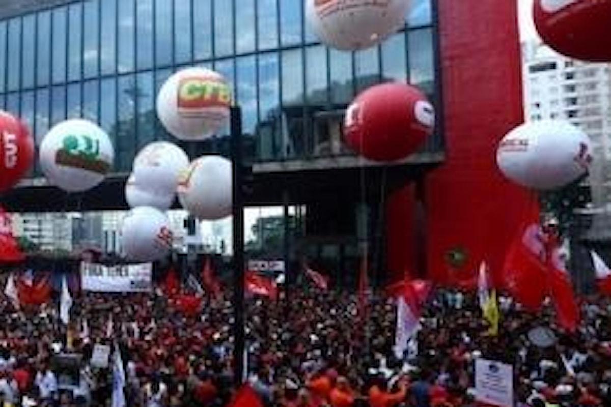 Il Brasile scende in piazza contro l'austerity sulle pensioni