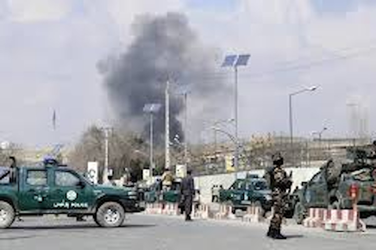 Afghanistan. Commando di talebani assalta ospedale militare di Kabul:più di 30 i morti, oltre 50 feriti