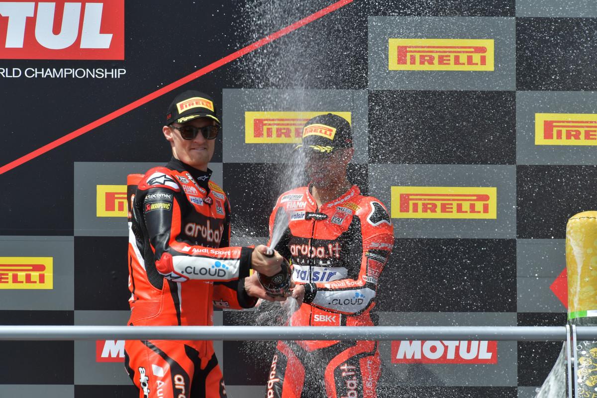 SBK: Davies e Melandri sul podio di Gara 2 al Motorland Aragon