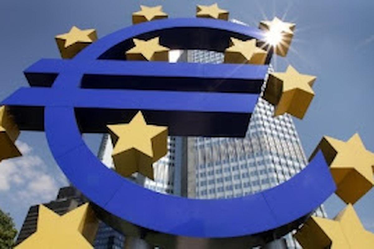 Bloomberg: gli analisti prevedono un futuro luminoso per l'euro