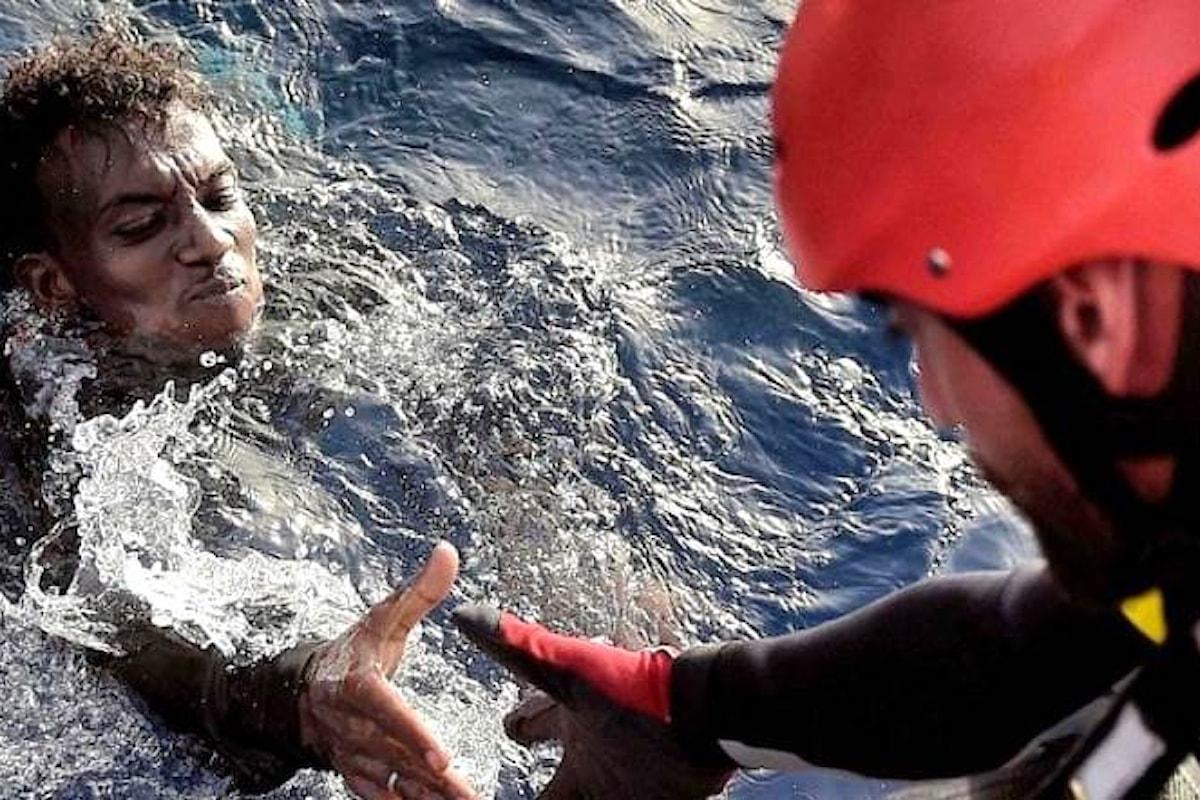 Migranti, Italia ed Ue vogliono spostarne la frontiera in Libia con politiche che violano i diritti umani