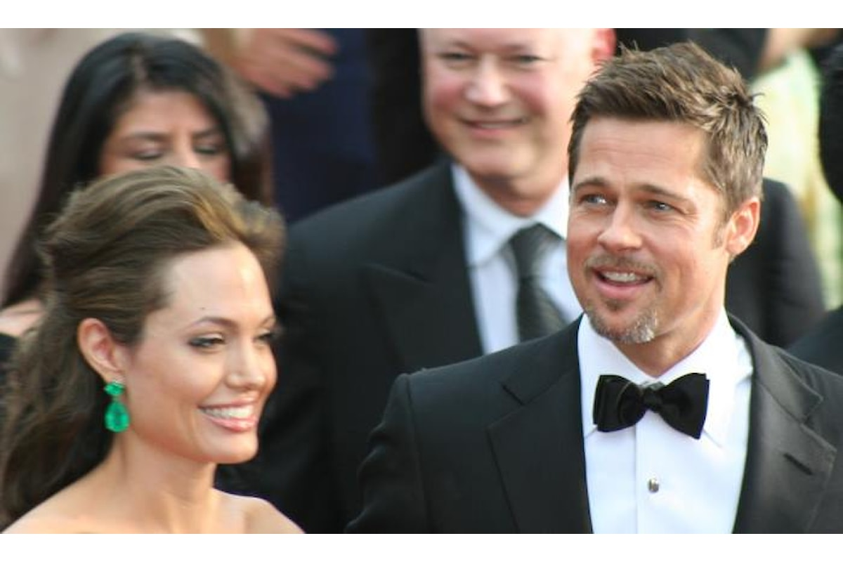 La Jolie accusa Pitt di non aver mantenuto i figli dal 2016, ma non è vero