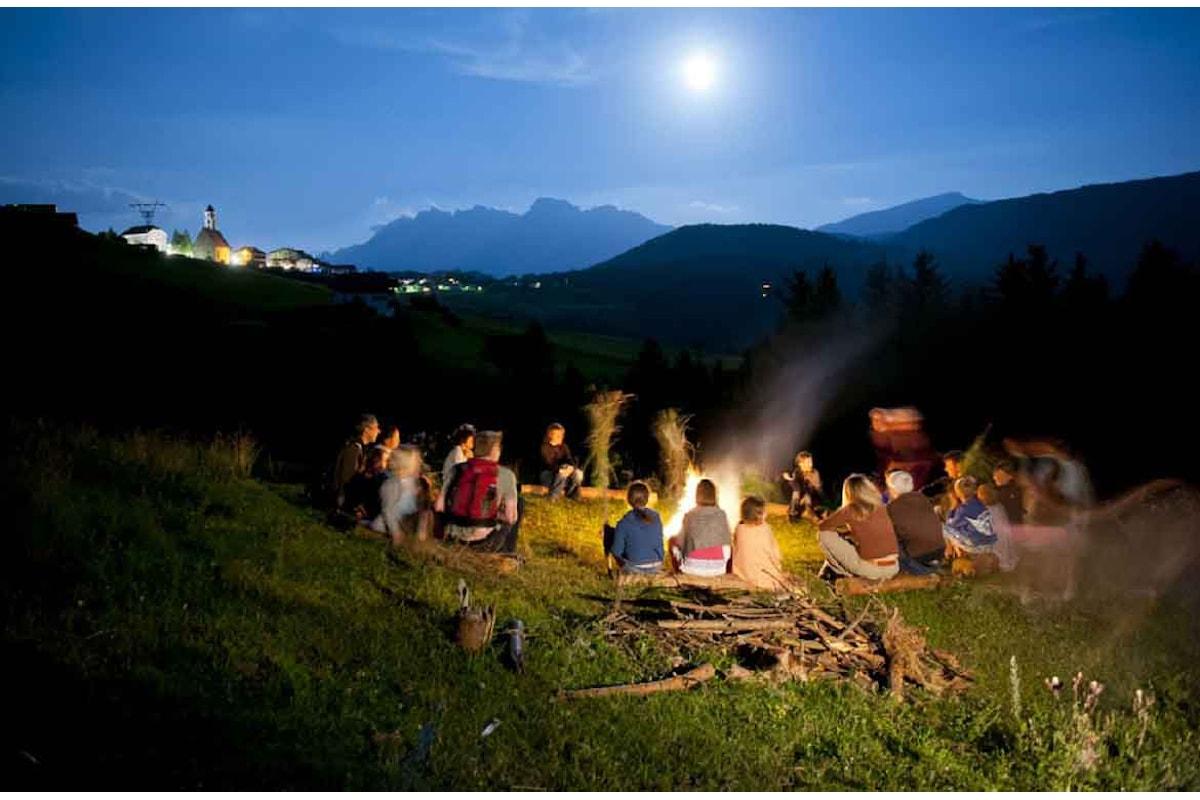 In provincia di Bolzano un'estate misteriosa per bimbi e genitori
