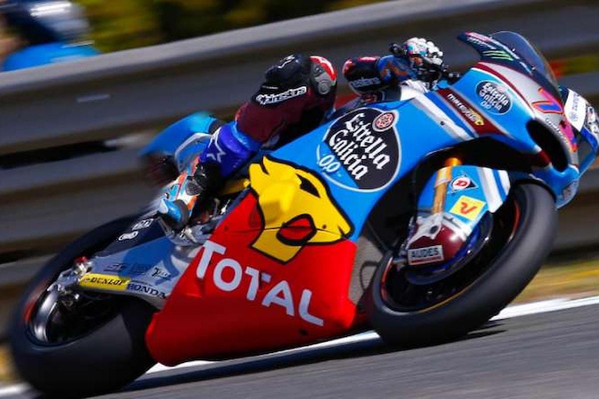 Dani Pedrosa primo al via del gran premio di Spagna di MotoGP. Settimo Valentino Rossi
