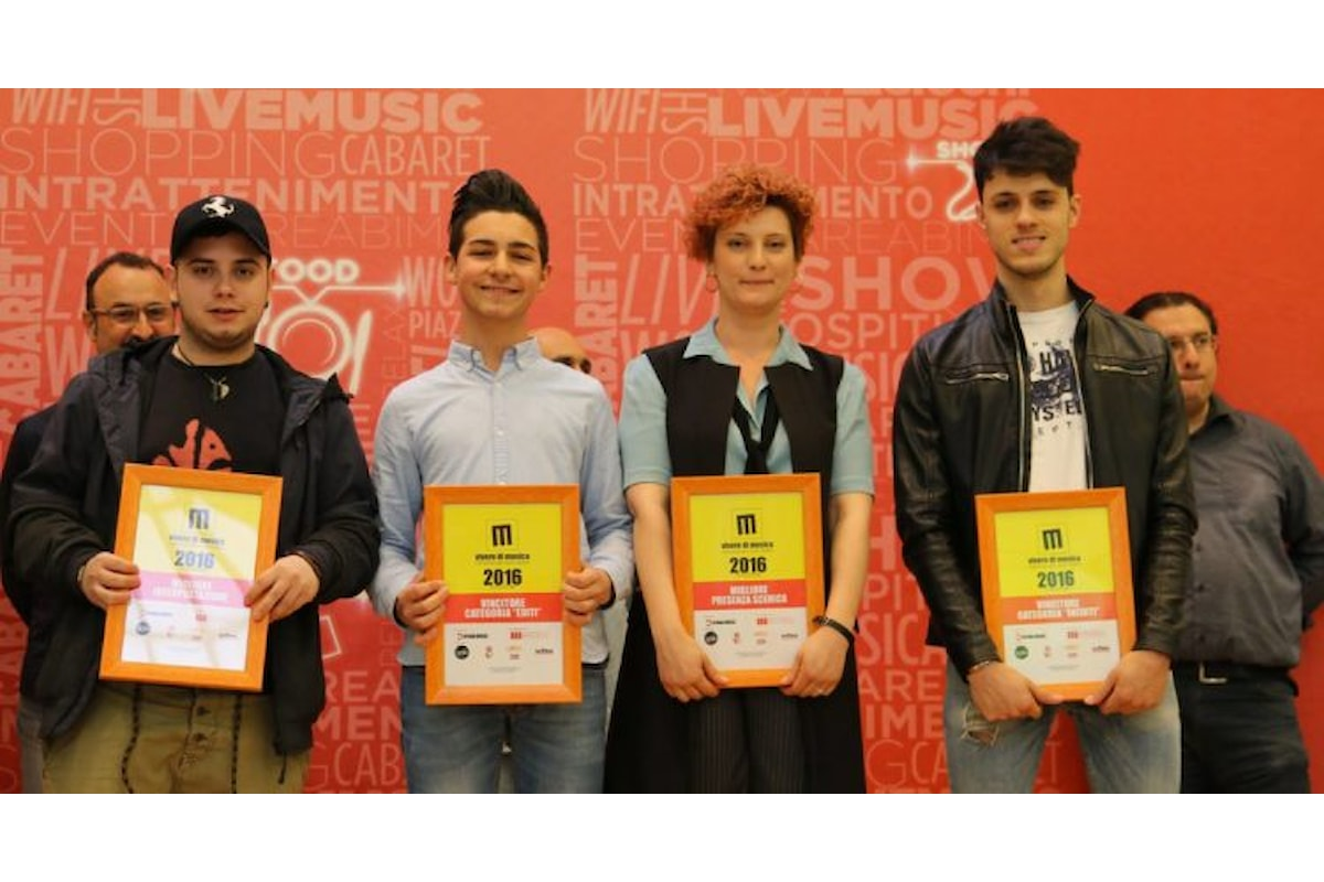"""L'etichetta discografica Hydra Music organizza la V Edizione del contest """"Vivere di Musica"""", in palio una proposta discografica."""