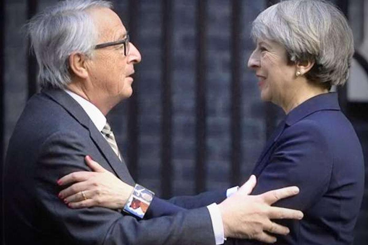 La May prova a scambiare con l'Europa la permanenza per i cittadini dell'UE presenti in UK per ottenere migliori condizioni per la Brexit