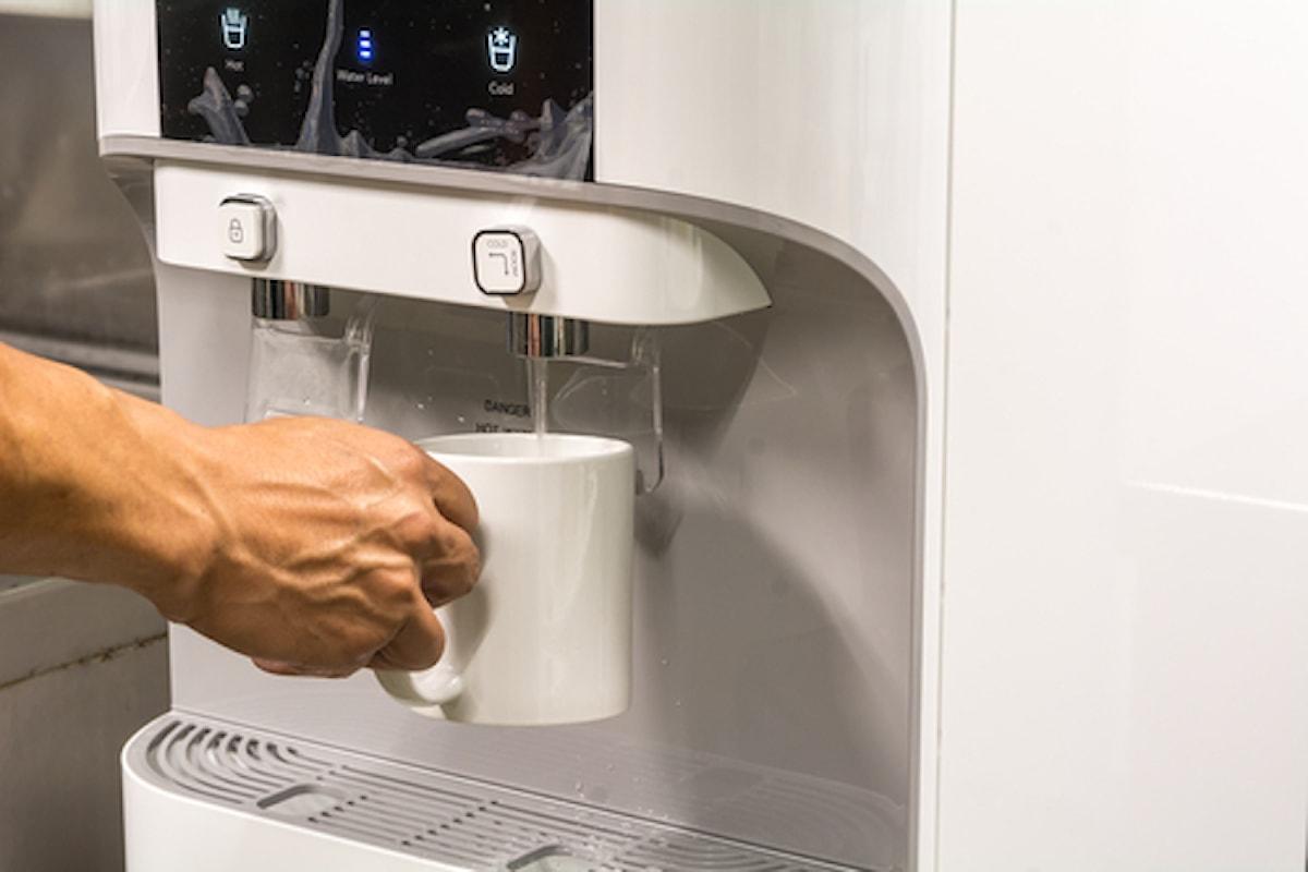 Acqua alla spina: perché dire basta alle bottiglie di plastica in ufficio