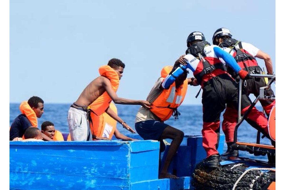 Aquarius ha 141 migranti a bordo ed è in attesa di un porto dove sbarcarli